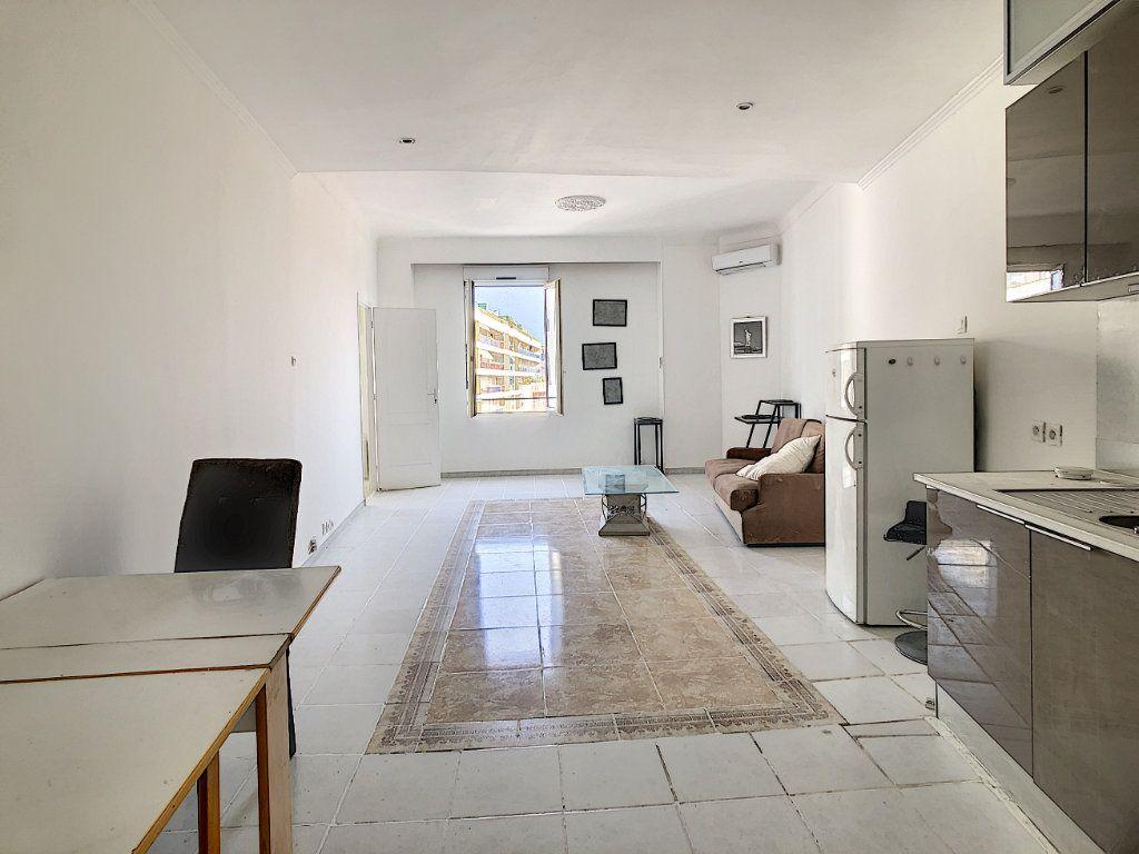 Appartement à vendre 2 47.37m2 à Cannes vignette-2