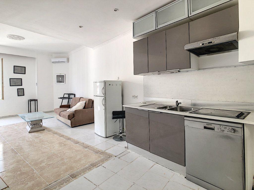 Appartement à vendre 2 47.37m2 à Cannes vignette-3