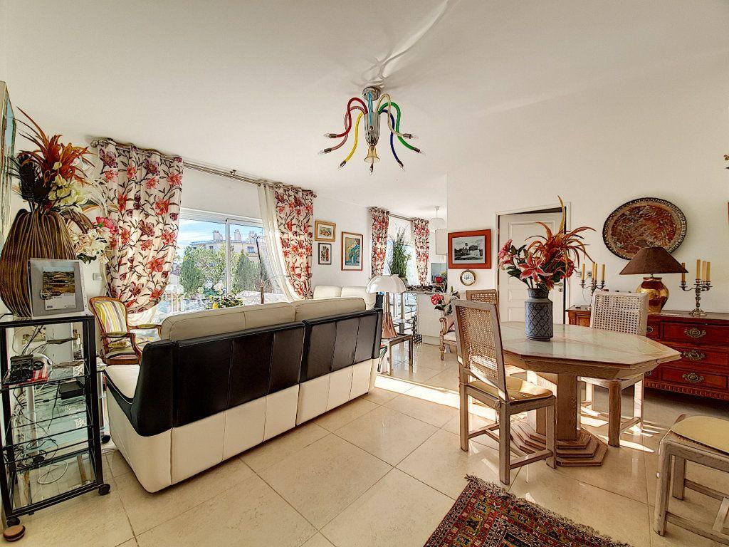 Appartement à vendre 3 95.06m2 à Cannes vignette-2
