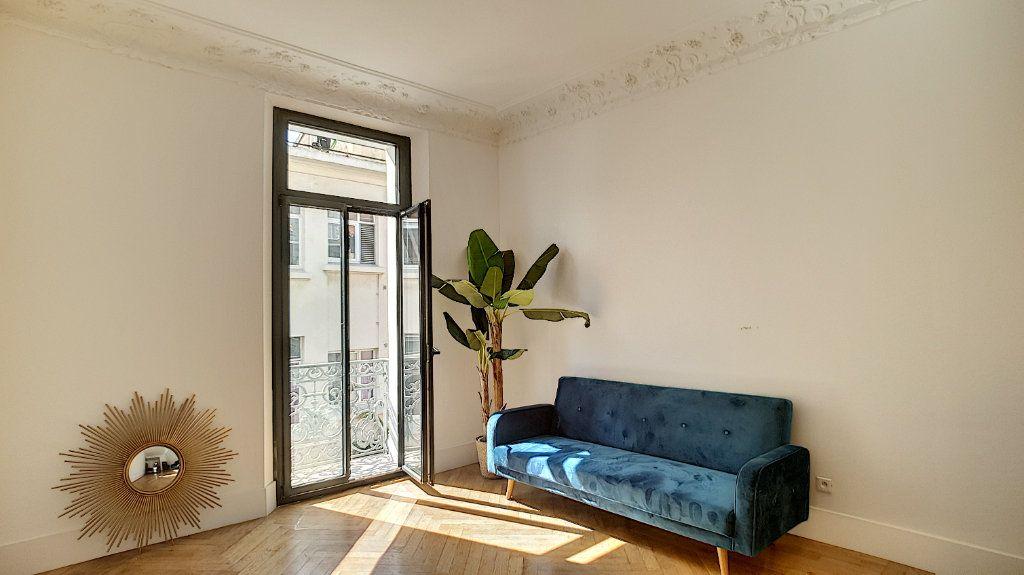 Appartement à vendre 3 55m2 à Cannes vignette-8