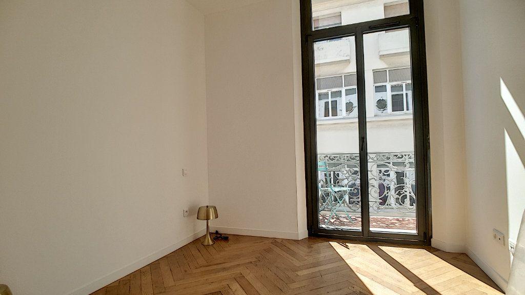 Appartement à vendre 3 55m2 à Cannes vignette-9