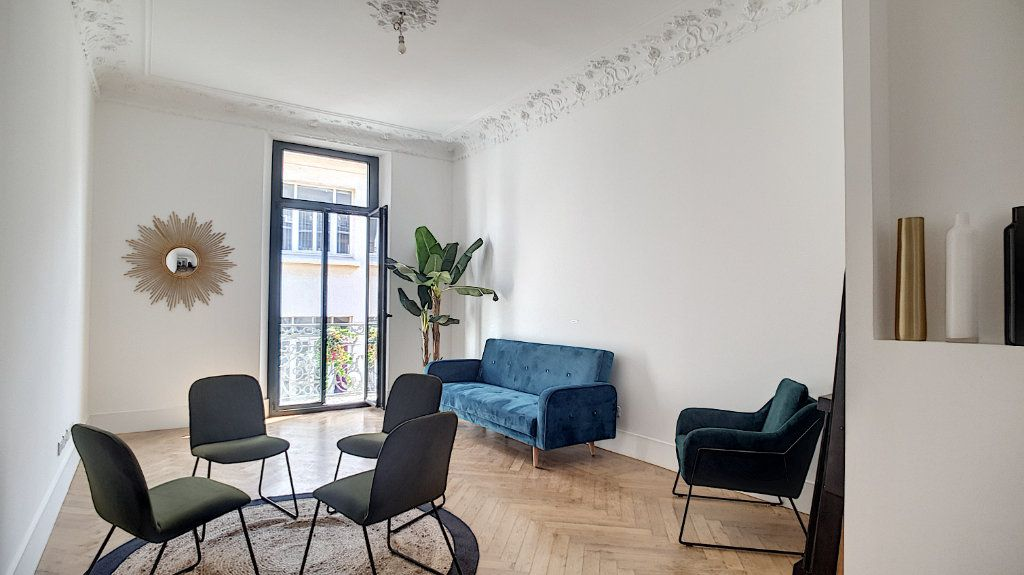 Appartement à vendre 3 55m2 à Cannes vignette-11