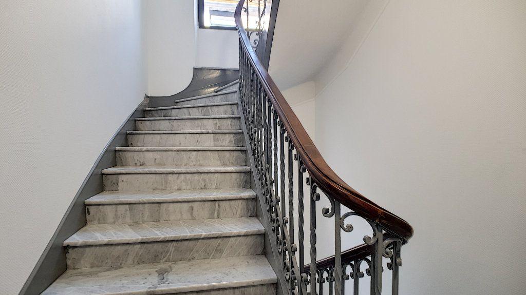 Appartement à vendre 2 37m2 à Cannes vignette-4