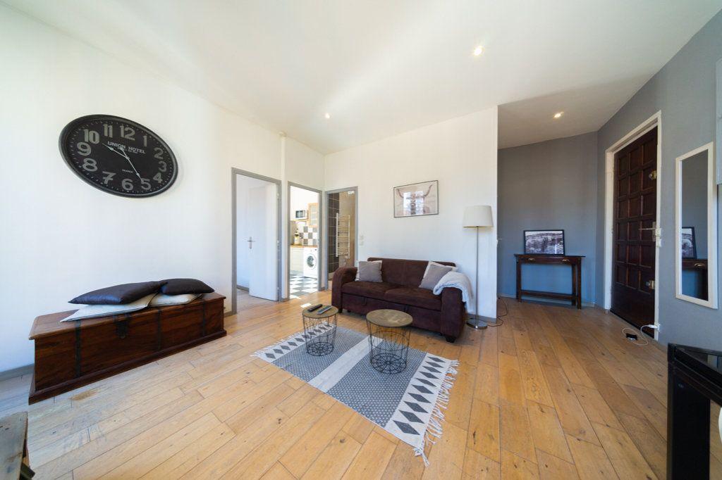 Appartement à vendre 2 37.88m2 à Cannes vignette-2