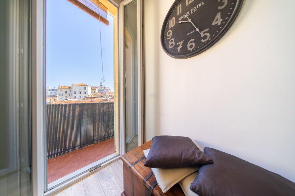 Appartement à vendre 2 37.88m2 à Cannes vignette-3