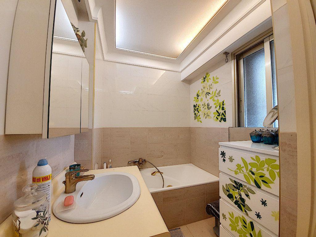 Appartement à vendre 5 108.62m2 à Grasse vignette-11