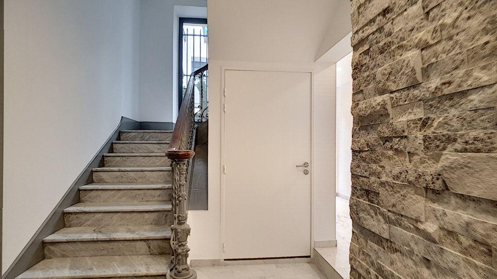 Appartement à vendre 3 57.7m2 à Cannes vignette-3