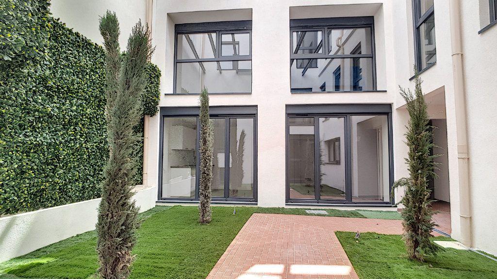 Appartement à vendre 3 57.7m2 à Cannes vignette-5