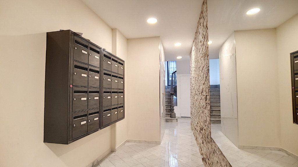 Appartement à vendre 3 57.7m2 à Cannes vignette-6