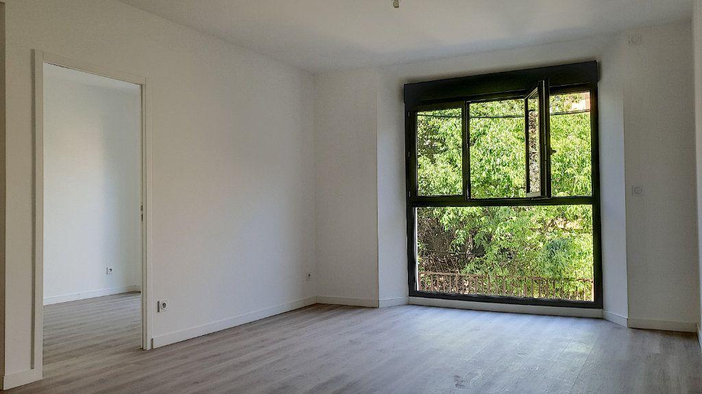 Appartement à vendre 3 57.7m2 à Cannes vignette-8