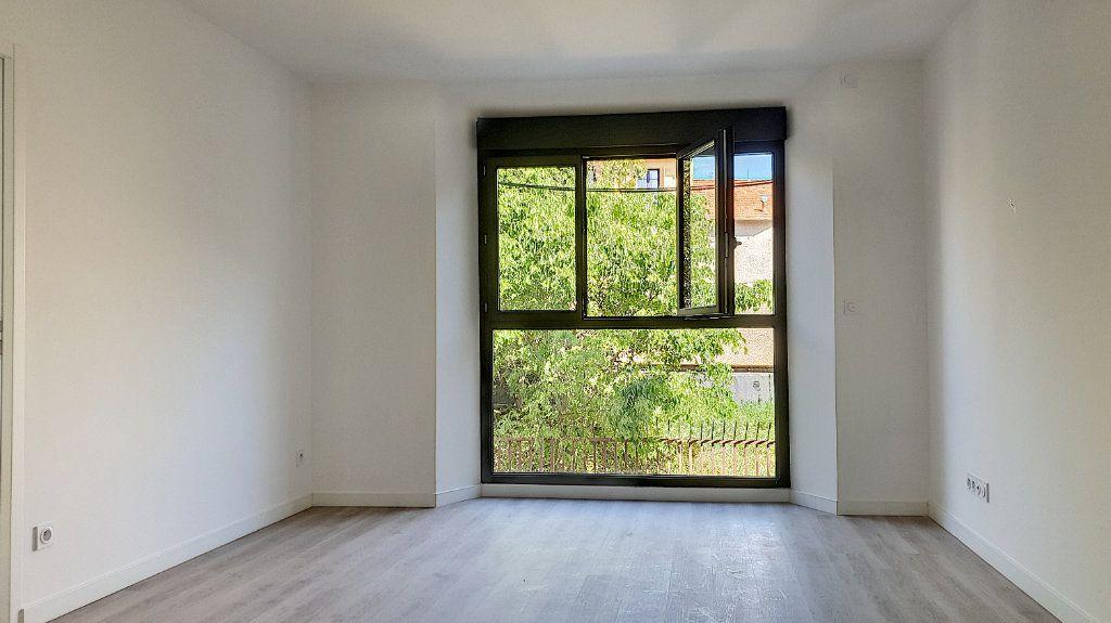 Appartement à vendre 3 57.7m2 à Cannes vignette-9
