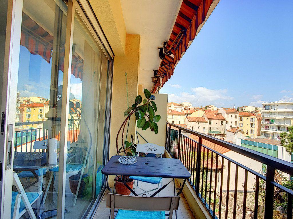 Appartement à vendre 1 26m2 à Cannes vignette-1