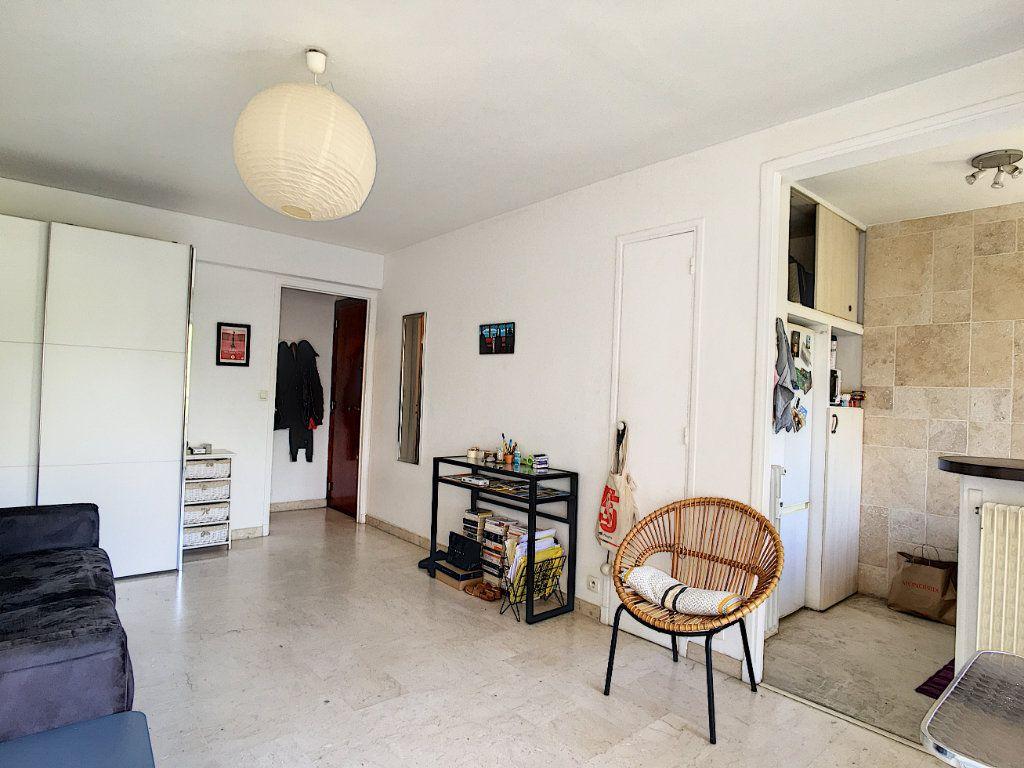 Appartement à vendre 1 26m2 à Cannes vignette-4