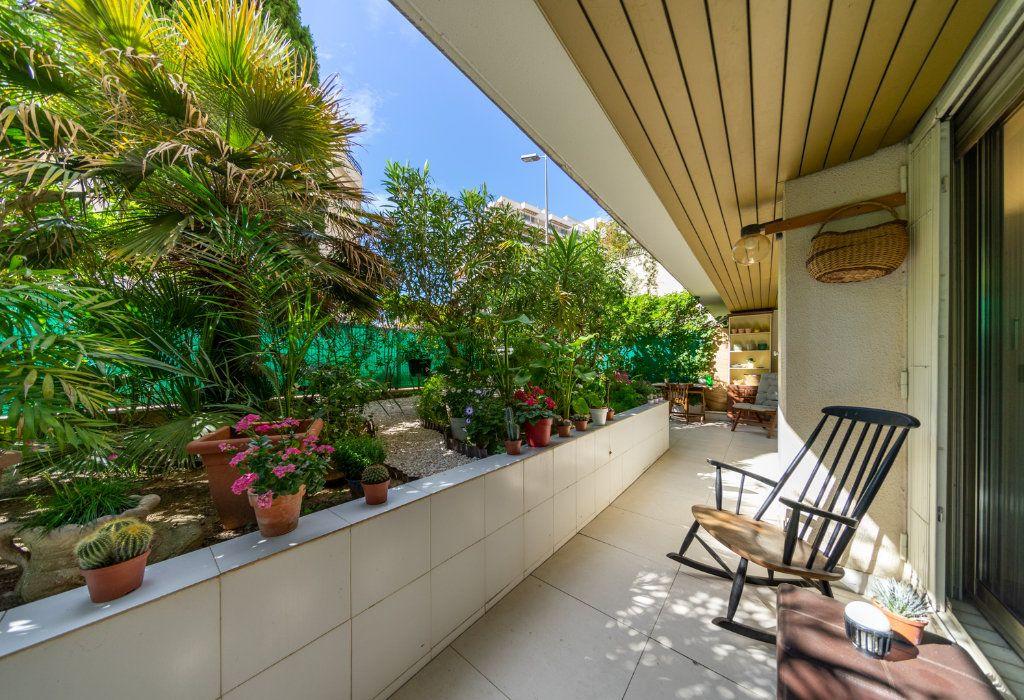 Appartement à vendre 2 50.96m2 à Cannes vignette-3