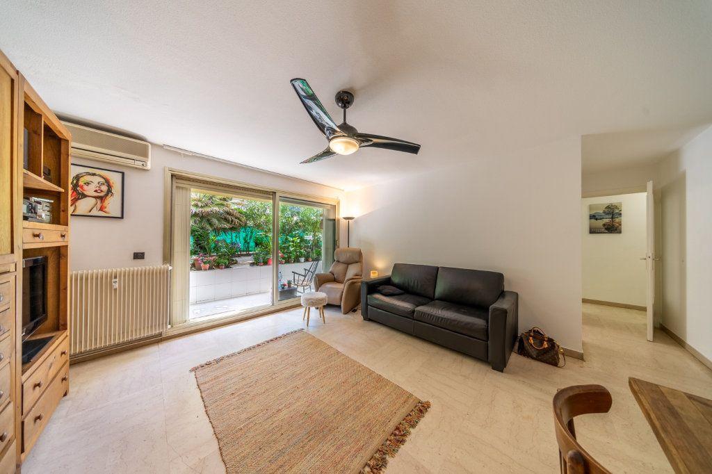 Appartement à vendre 2 50.96m2 à Cannes vignette-4