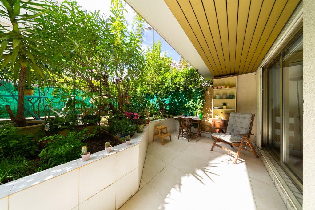 Appartement à vendre 2 50.96m2 à Cannes vignette-9