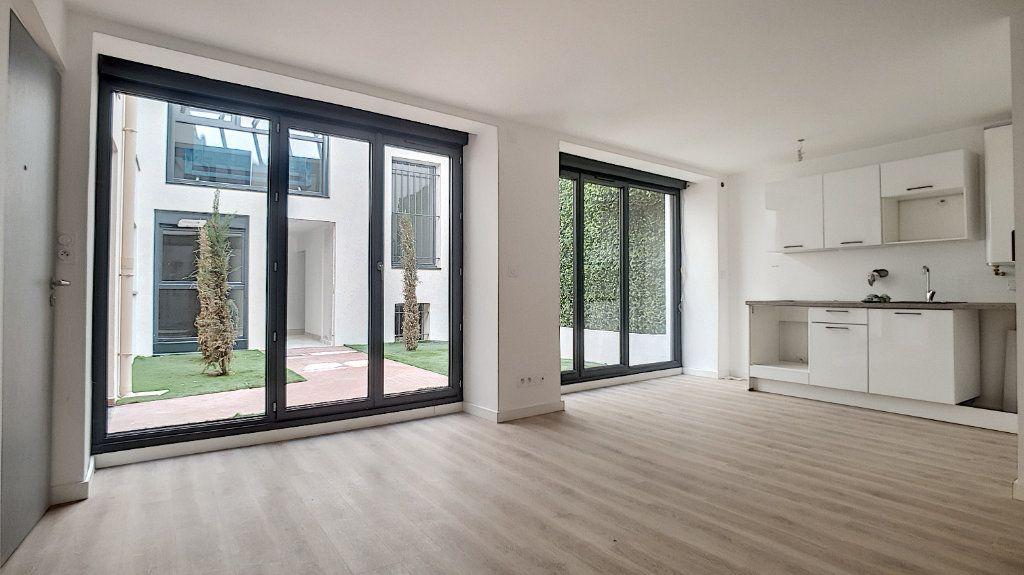 Appartement à vendre 1 29.61m2 à Cannes vignette-1