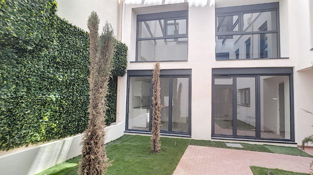 Appartement à vendre 1 29.61m2 à Cannes vignette-3