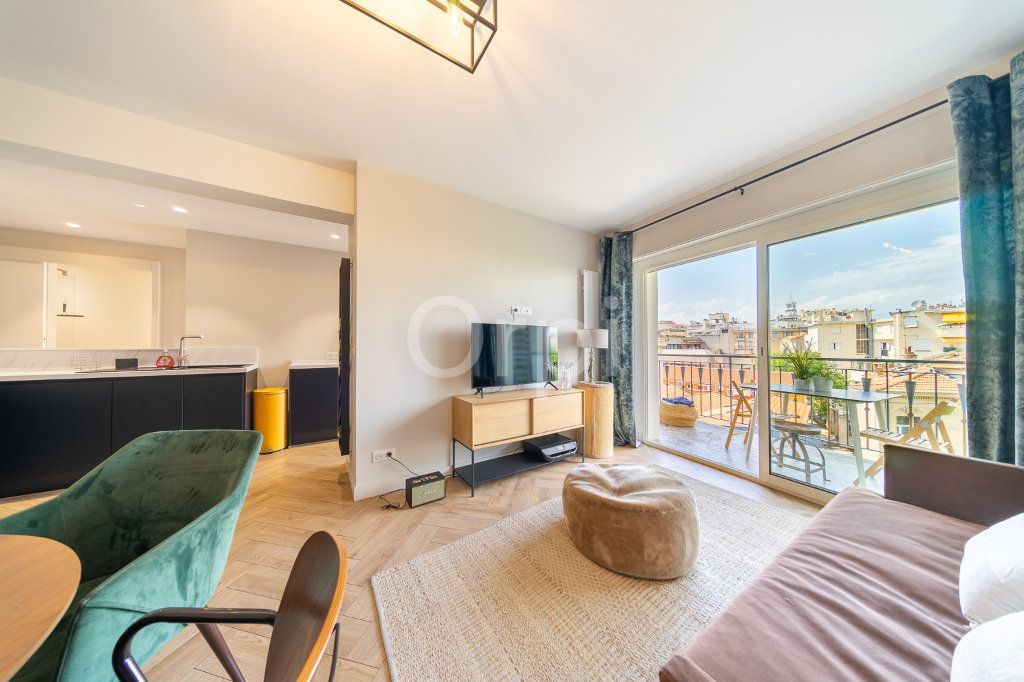 Appartement à vendre 3 72.95m2 à Cannes vignette-1