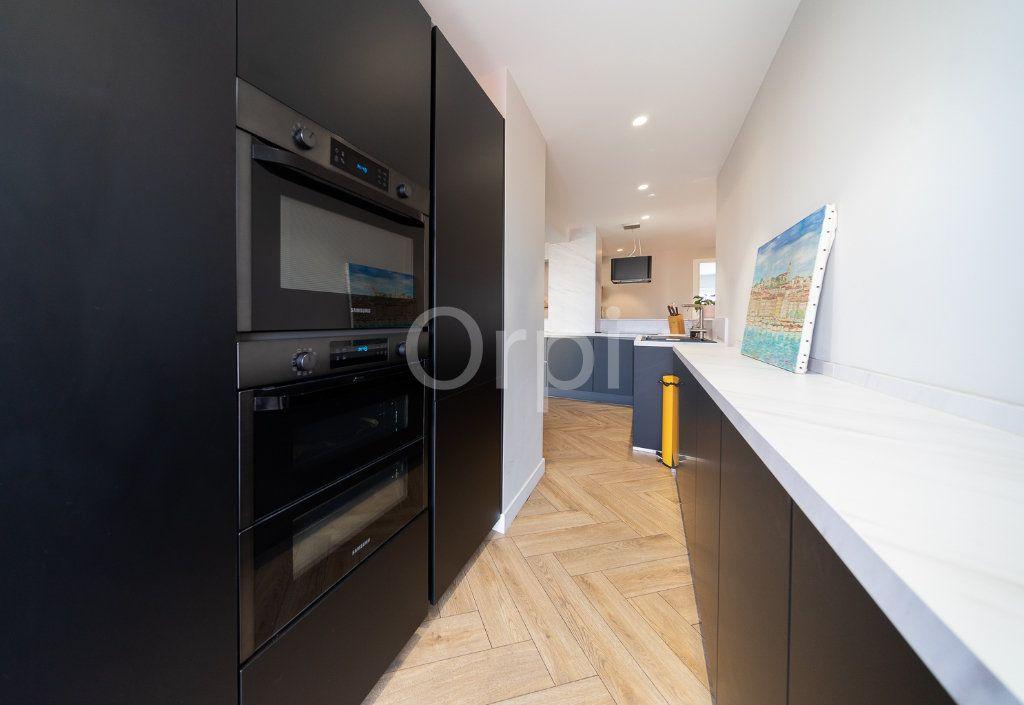 Appartement à vendre 3 72.95m2 à Cannes vignette-5