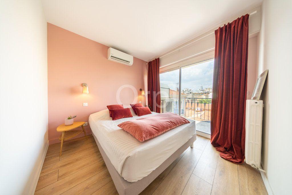 Appartement à vendre 3 72.95m2 à Cannes vignette-11