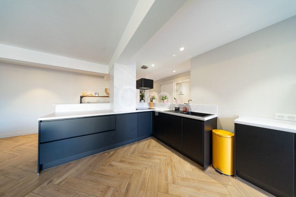Appartement à vendre 3 72.95m2 à Cannes vignette-18