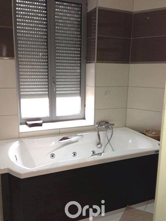Appartement à louer 3 78.94m2 à Bourgoin-Jallieu vignette-4