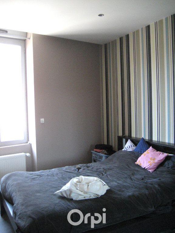 Appartement à louer 3 78.94m2 à Bourgoin-Jallieu vignette-5