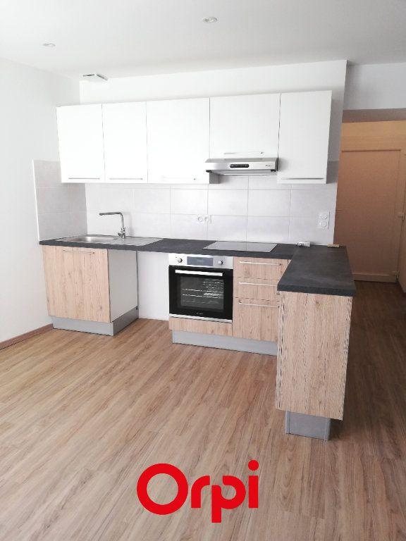 Appartement à louer 4 83.64m2 à Morestel vignette-1