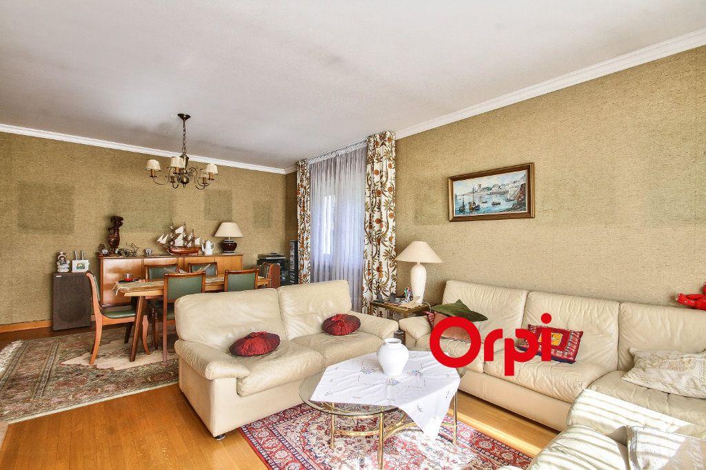 Maison à vendre 5 118m2 à Bourgoin-Jallieu vignette-4