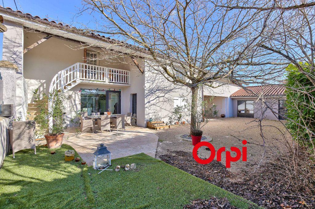 Maison à vendre 7 192.93m2 à Grenay vignette-1