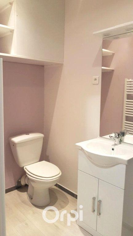 Appartement à louer 1 26m2 à La Côte-Saint-André vignette-5