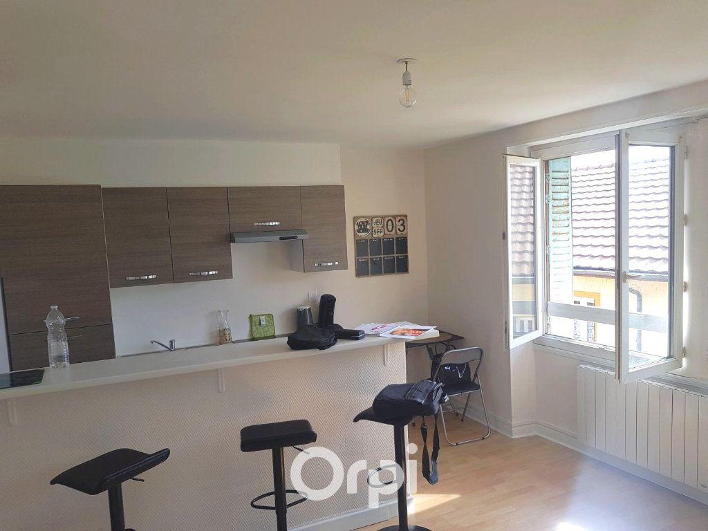 Appartement à louer 2 34.28m2 à La Côte-Saint-André vignette-1