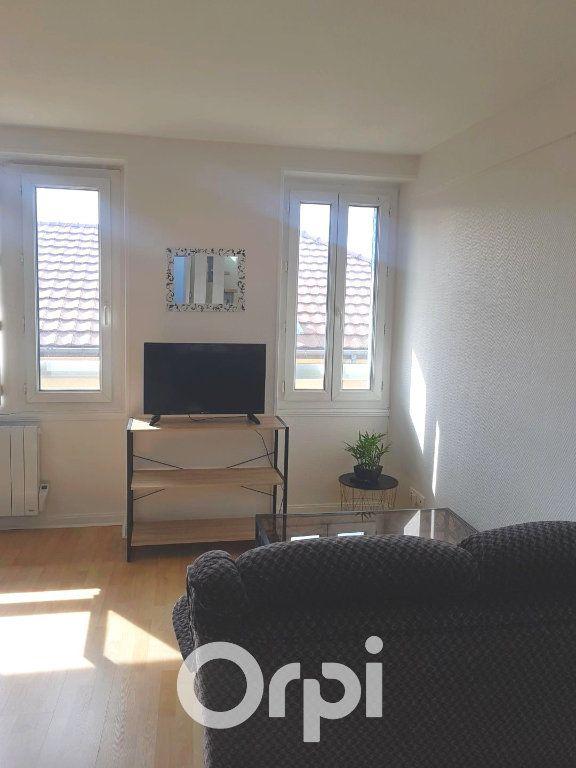 Appartement à louer 2 34.28m2 à La Côte-Saint-André vignette-2