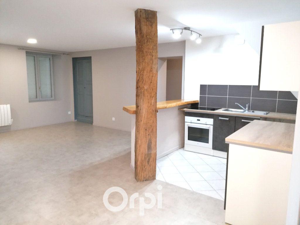Appartement à louer 3 79.17m2 à Passins vignette-2