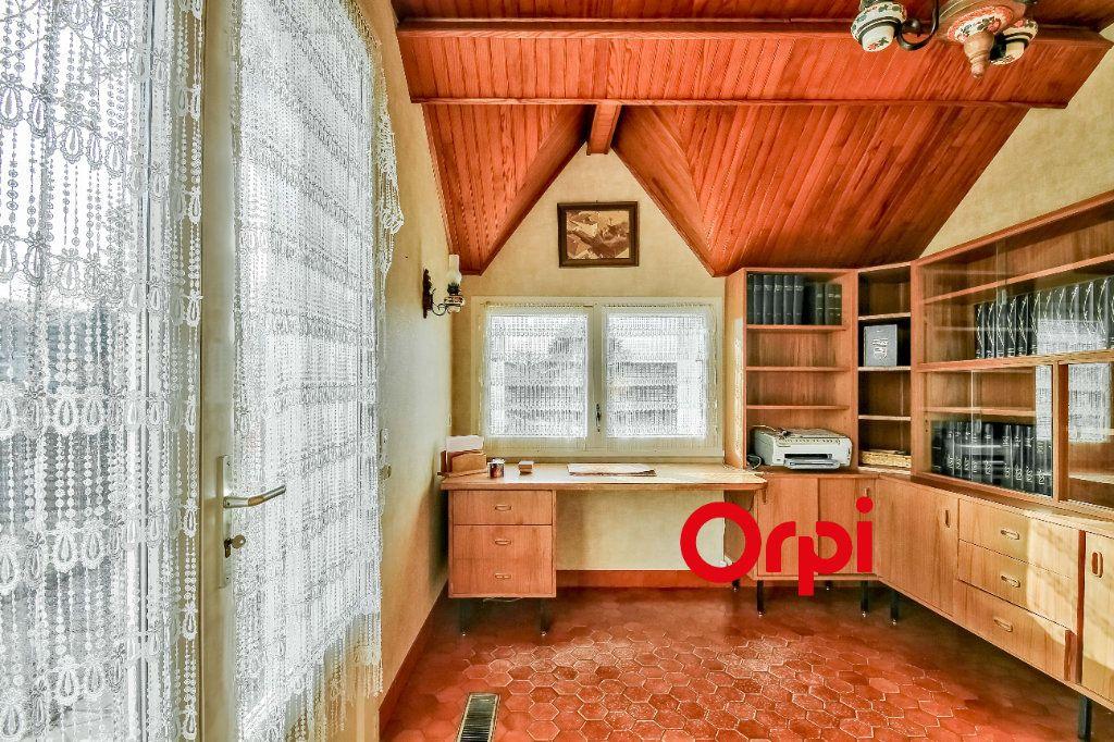 Maison à vendre 8 163m2 à Bourgoin-Jallieu vignette-6
