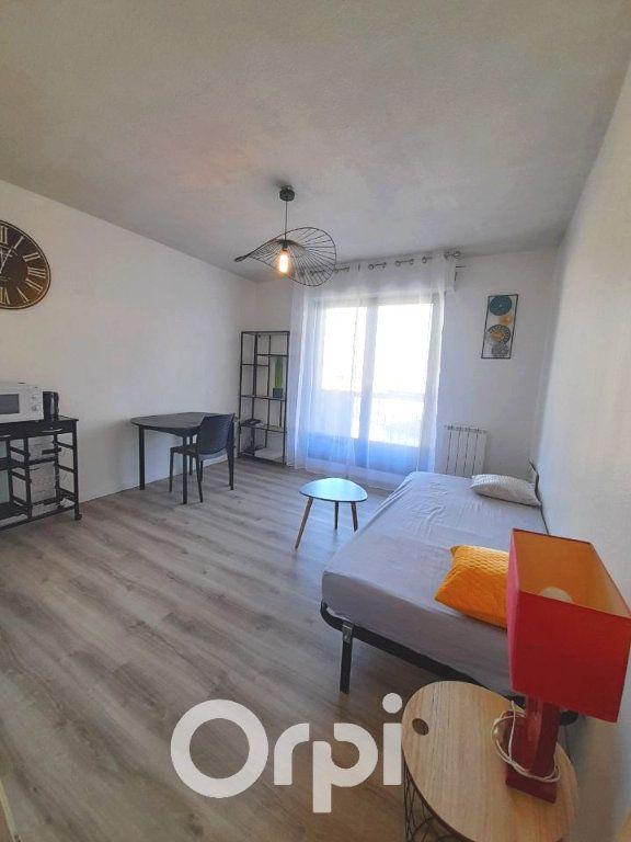 Appartement à louer 1 23.56m2 à Grenoble vignette-3