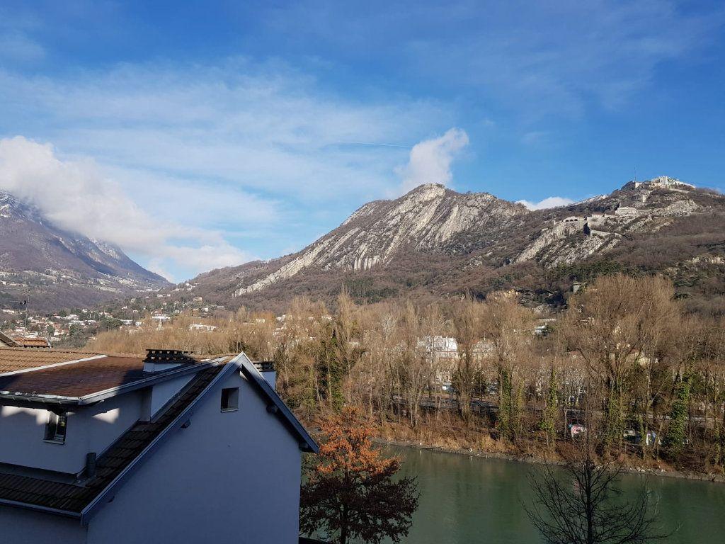 Appartement à louer 1 23.56m2 à Grenoble vignette-6