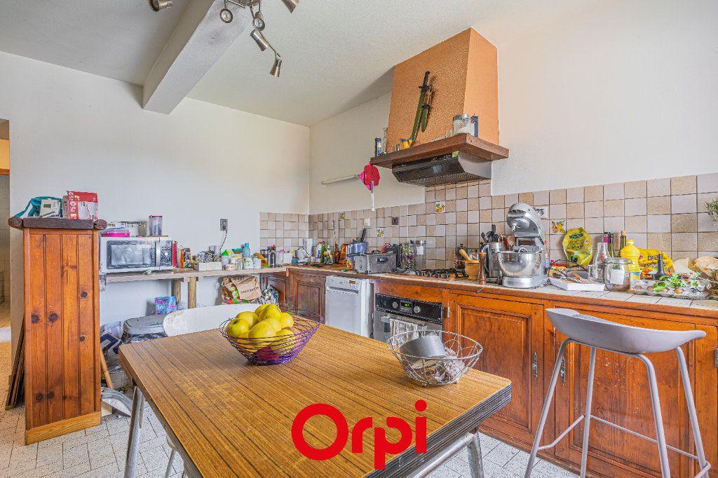 Maison à vendre 4 131m2 à Vasselin vignette-2