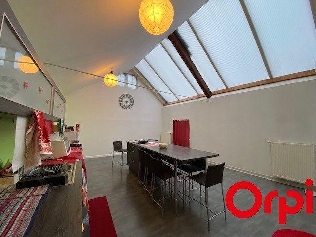 Appartement à vendre 4 108m2 à Bourgoin-Jallieu vignette-3