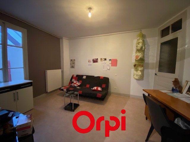 Appartement à vendre 4 108m2 à Bourgoin-Jallieu vignette-4