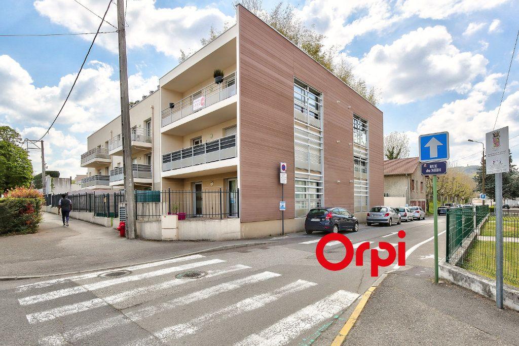 Appartement à vendre 3 70.71m2 à La Verpillière vignette-12