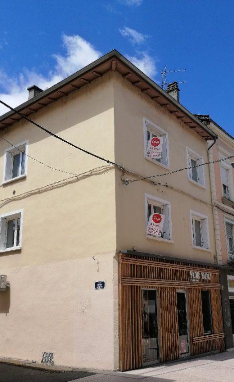 Appartement à louer 3 76.85m2 à Bourgoin-Jallieu vignette-1