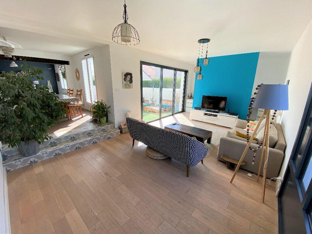 Maison à vendre 6 153m2 à Montaigu vignette-1