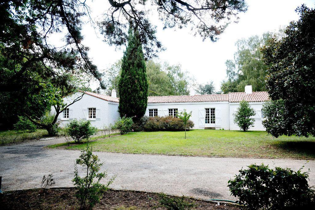 Maison à vendre 8 281m2 à Montaigu vignette-10