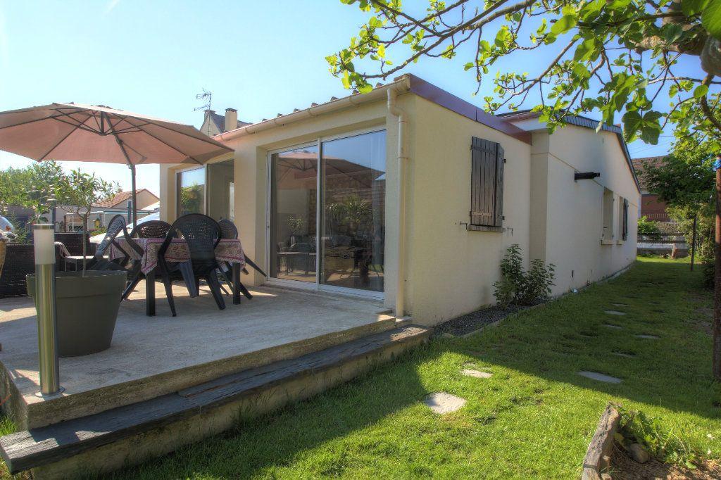 Maison à vendre 4 88m2 à Fleury-les-Aubrais vignette-1