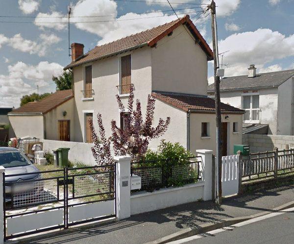 Maison à vendre 4 95m2 à Fleury-les-Aubrais vignette-1