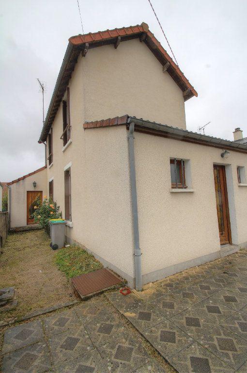 Maison à vendre 4 95m2 à Fleury-les-Aubrais vignette-9