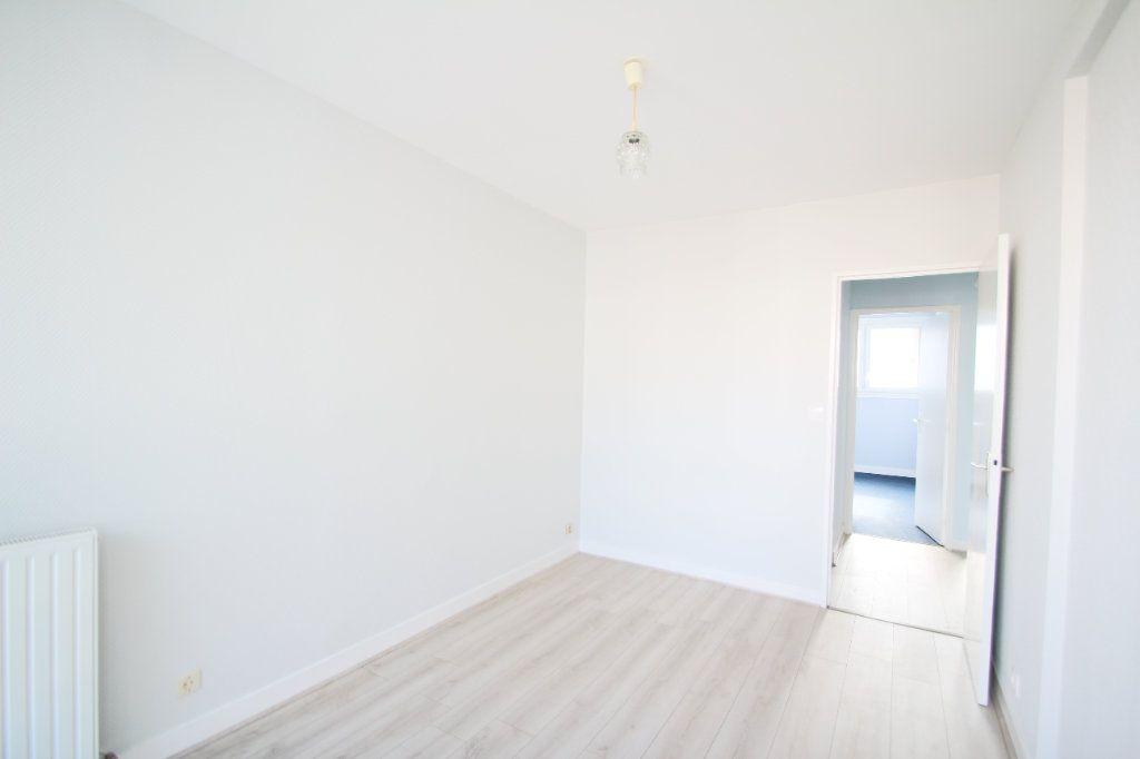 Appartement à vendre 4 75.38m2 à Fleury-les-Aubrais vignette-8
