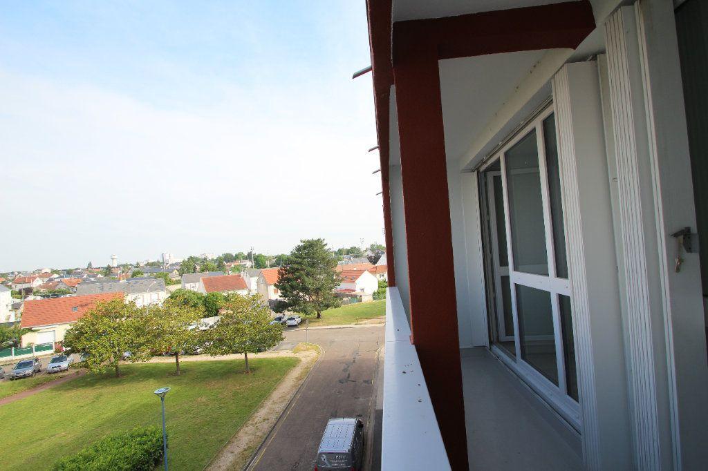 Appartement à vendre 4 75.38m2 à Fleury-les-Aubrais vignette-15